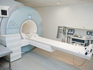 Resonancia magnética para personas con obesidad