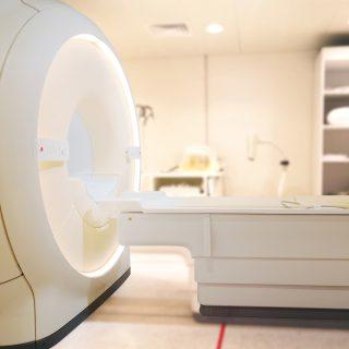 Moc urządzeń do rezonansu magnetycznego